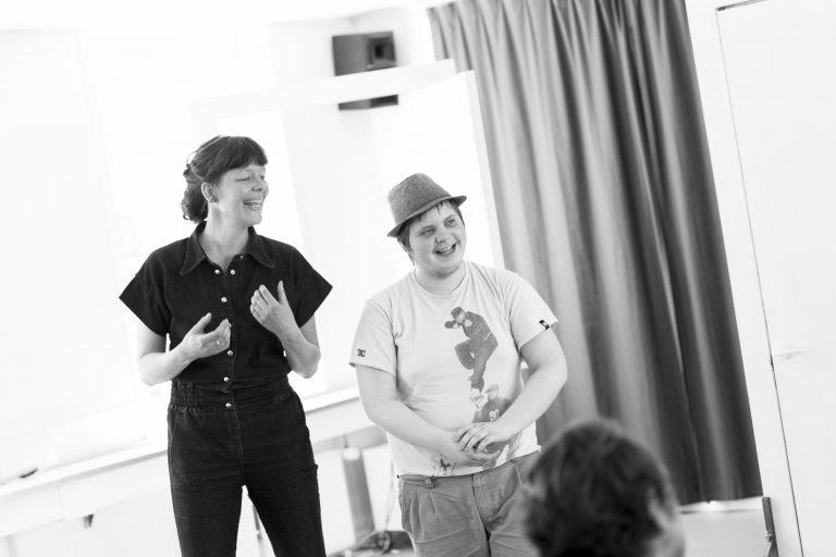 forumteater forumspil dramapædagogisk værktøj rollespil facilitering jokerrollen forumteater kursus