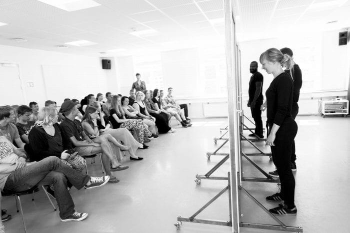 Prøveopvisning på forumteatret Prismes forestilling 'Hvad kan jeg blive'. Foto: Kristoffer Juel Poulsen